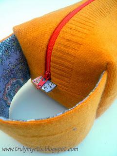 pochette borsa riciclando un maglione vecchio