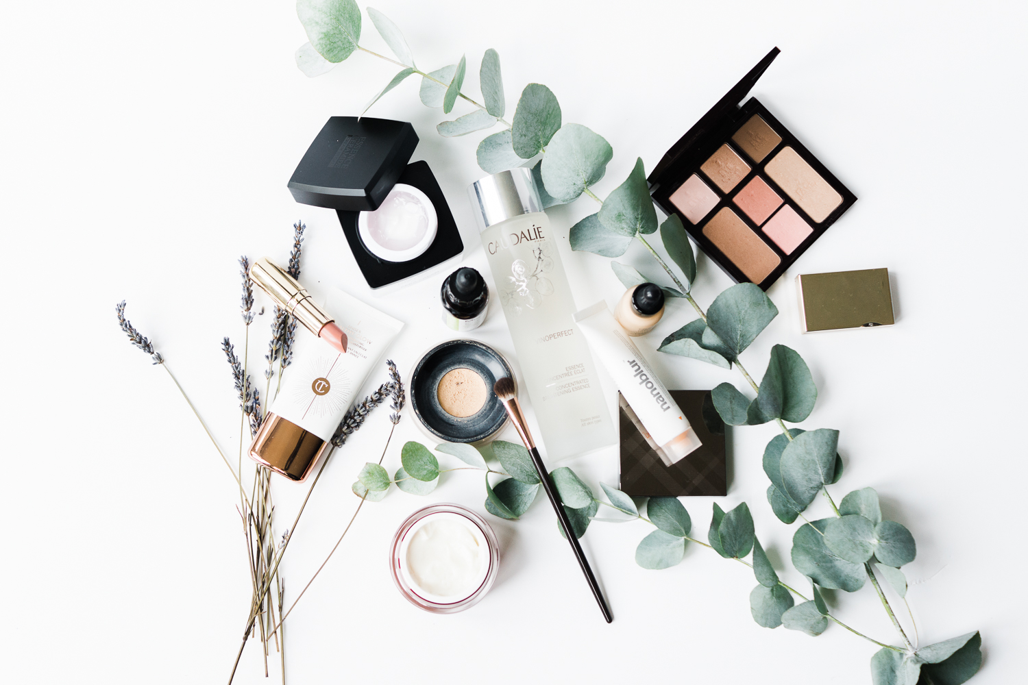 beauty-favourites-makeup-korean-skincare-flatlay-photography-Barely-There-Beauty-blog