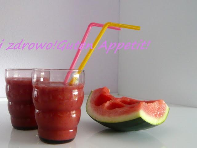 Smoothie arbuzowo-melonowo-truskawkowe - Czytaj więcej »