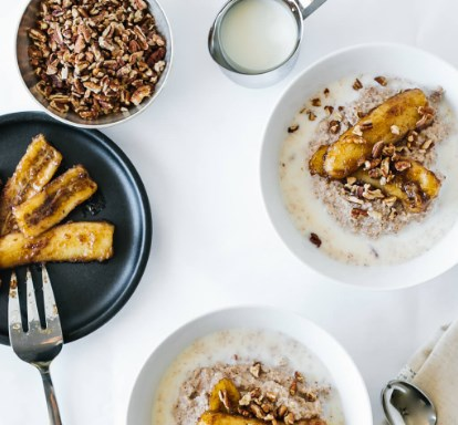 PALEO PORRIDGE WITH CARAMELIZED BANANAS