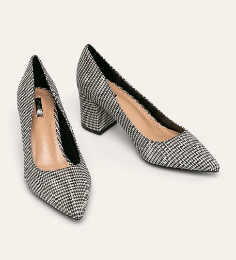 Pantofi de femei de zi cu toc lejer in carouri negru cu alb
