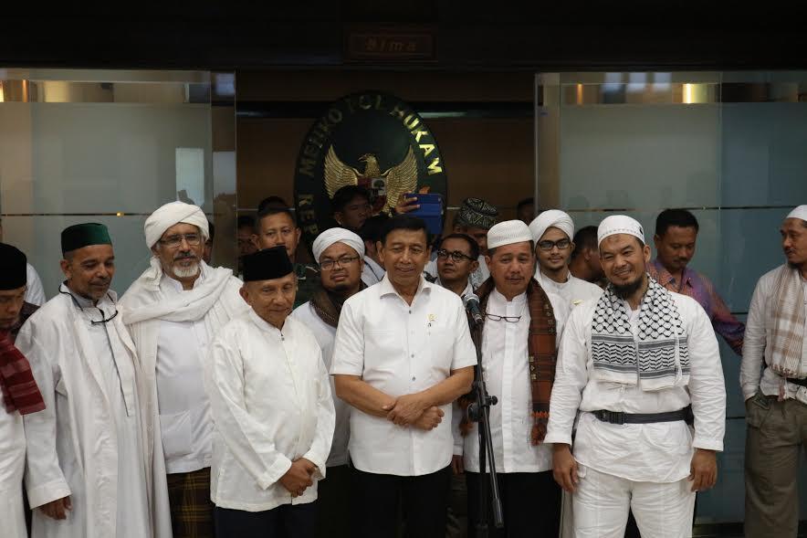 Amien Rais Rangkul Wiranto, Kubu Luhut Panik, Sinyal Jelang 19 April Jutaan Umat Bergerak!