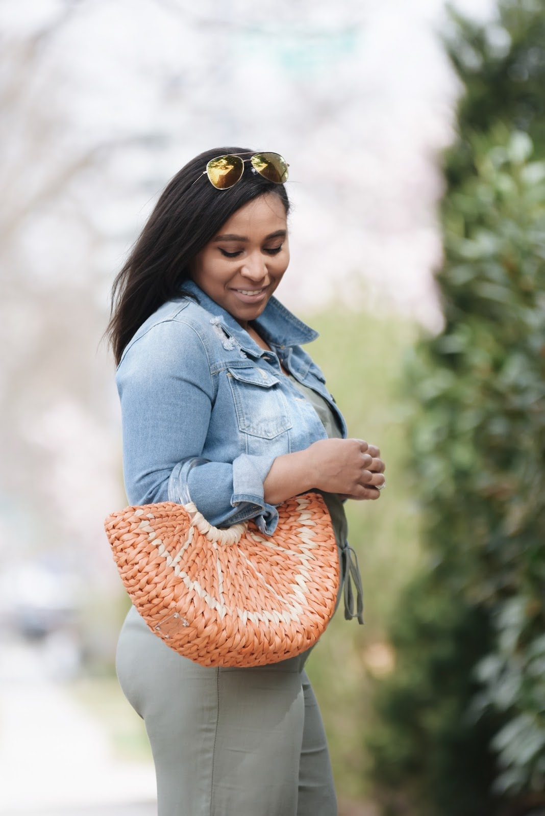 Mom blogger, denim jacket, kate spade bags, pregnant fashion, fashion blogger, pregnant in heels, maternity fashion, spring bags