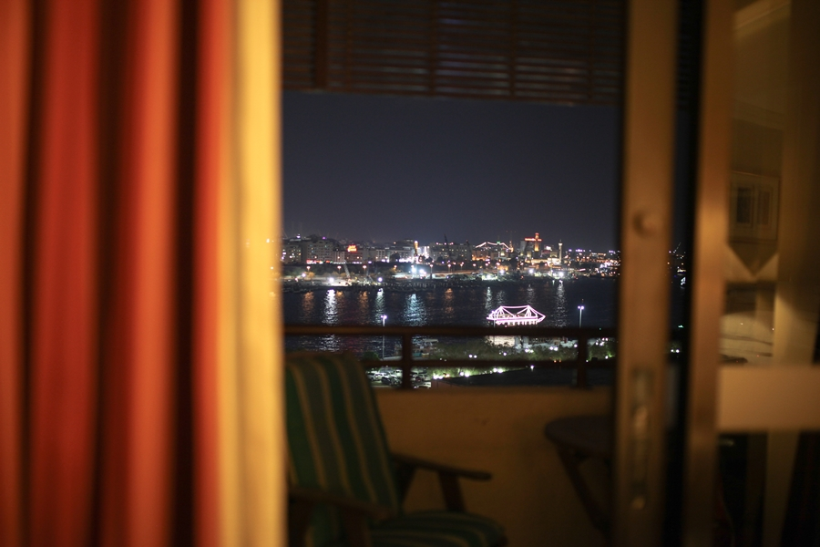 dubai port night lights