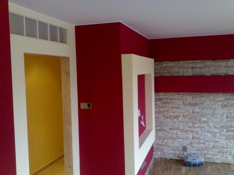Babo raď - Malování: Jak poznat kvalitní interiérovou barvu? Snadné to není.