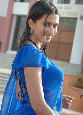 Bhigi Hui Mast Girl