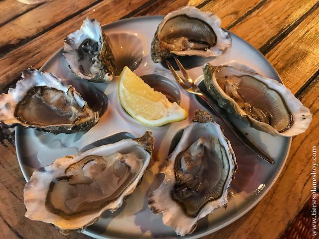 Cenar en Dinan Gastronomía Bretaña Francia ostras