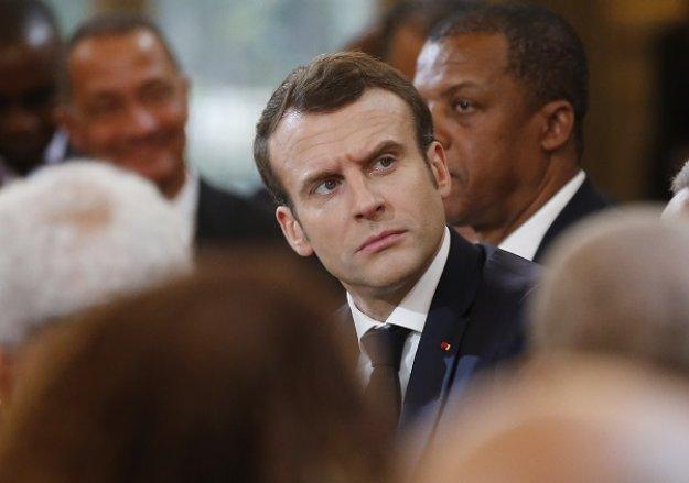 Γαλλία: Ο Μακρόν ετοιμάζει δημοψήφισμα