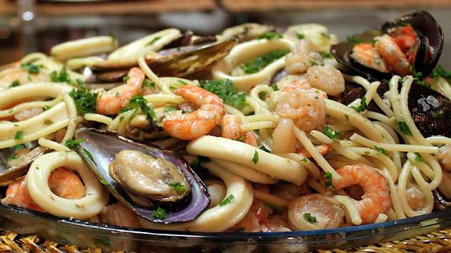 Espaguete com Frutos do Mar (Imagem: Reprodução/Peixes Classe A)