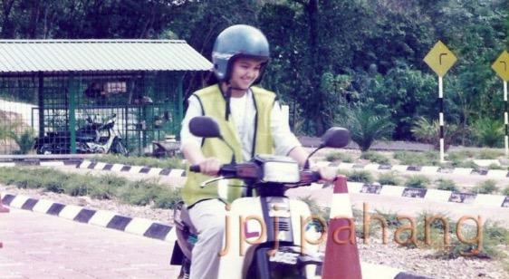 Gambar Siti Nurhaliza Ambil Lesen Memandu