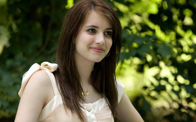 natural beauty girl wallpapers: Pictures World: Beautiful Girls Wallpaper