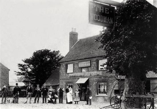 Photograph of The Woodman, Water End in the 1900s Image from the NMLHS, part of the images of North Mymms collection