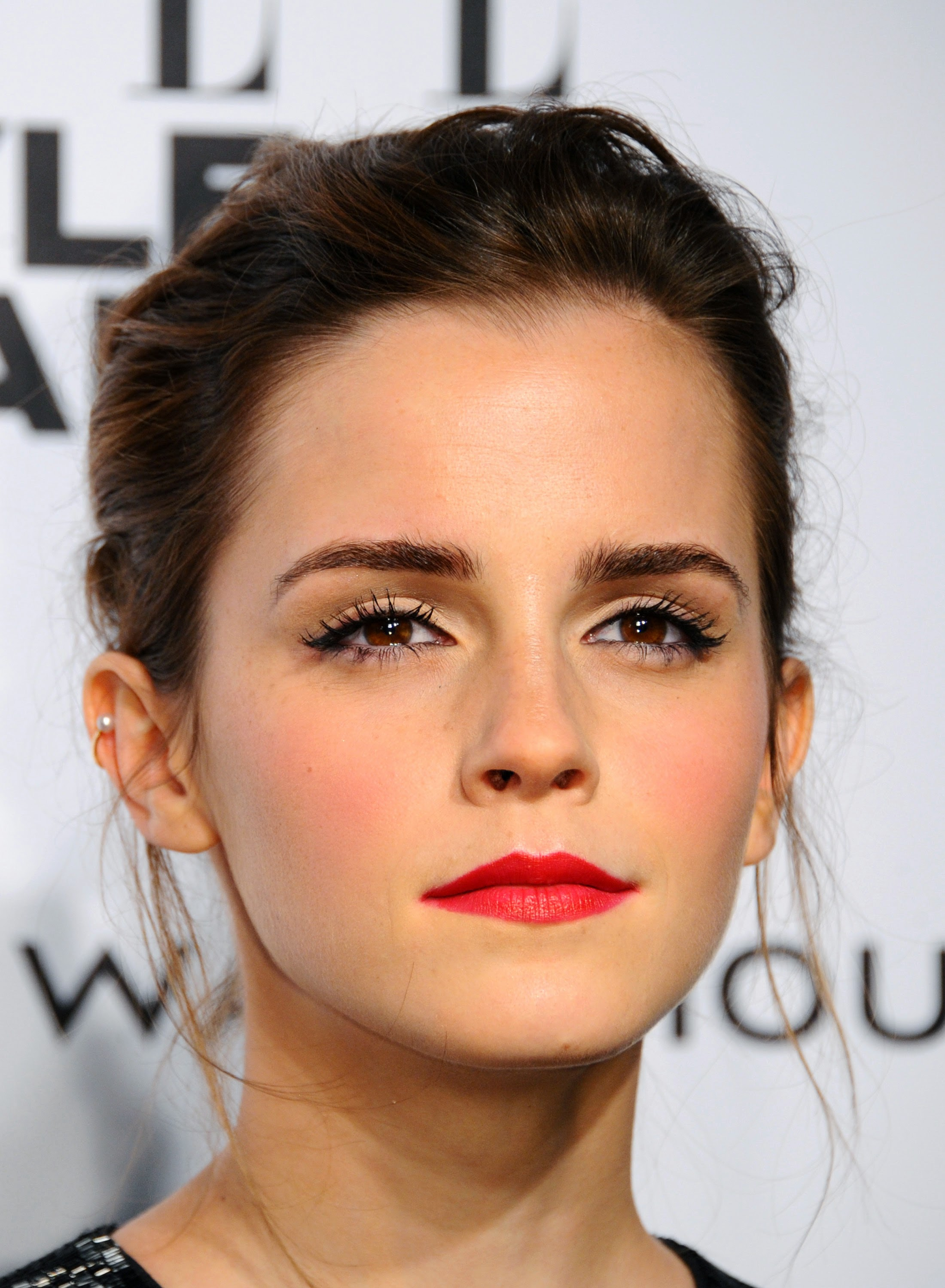 Pretty Makeup With The Eye Glitters 2052994: Emma Watson Pictures Gallery (23)