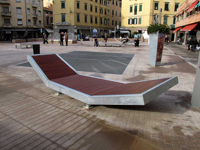 New benches, piazza Attias, Livorno