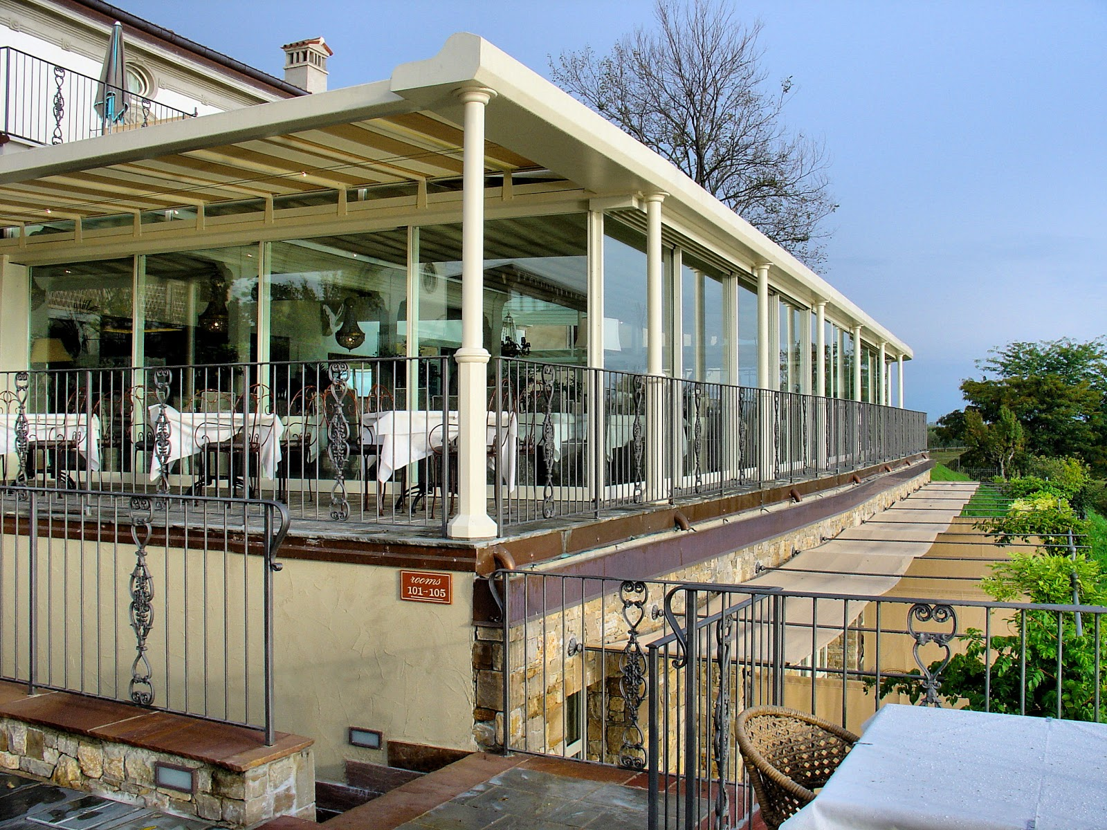 Exterior view of the Ristorante Ardea at Le Ali del Frassino.