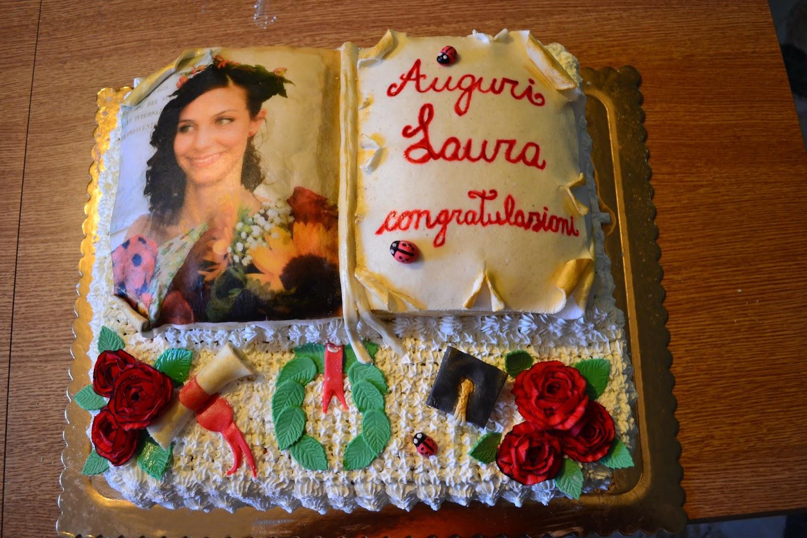 Hobby torte torta laurea for Decorazioni per torte di laurea