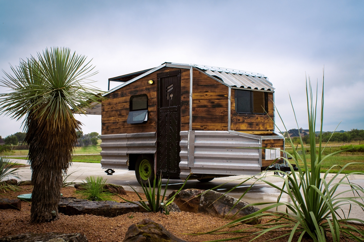 02-External-View-Terraform-Tiny-House-on-Wheels-Sustainable-Architecture-www-designstack-co