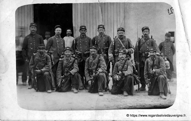 Photo noir et blanc : 97 RIT de Riom, 1914.