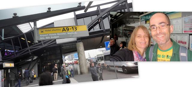 Ponto de ônibus para o Ibis no Schiphol Airport, aeroporto de Amsterdam