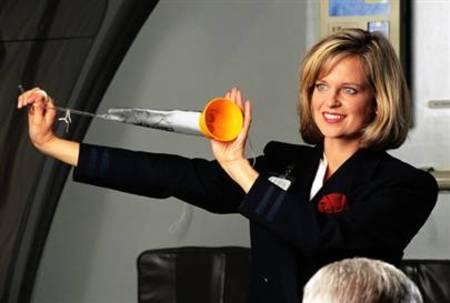 Flight Attendants Pay  Hum