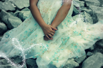 sparkly fairy tale type dress pic
