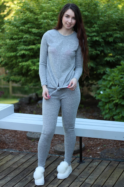 Grey 2 piece sweats outfit