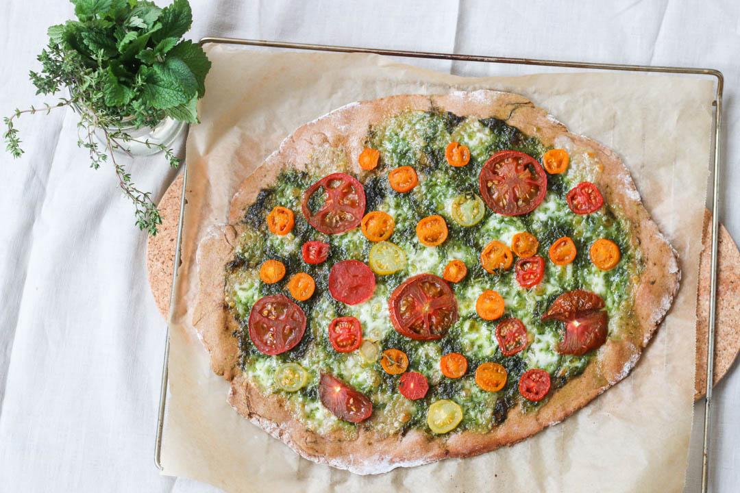 Pizza, Bärlauch, Pesto, Tomaten, Dinkel