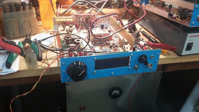 40M Junk Box SSB Xcvr in a  Blue Case 23