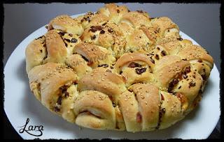 http://cucinaconlara.blogspot.it/2015/06/torta-di-croissant-salati.html