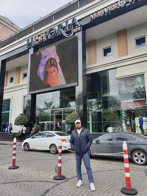 بالصور جمال فؤاد يسافر تركيا استعدادا لفيلم جديد