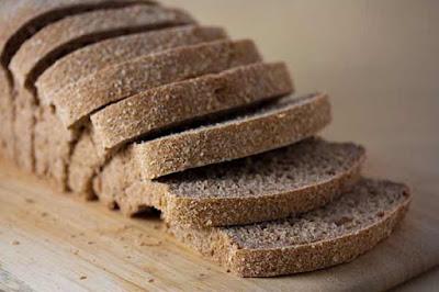 الخبز الأسمر مصدر جيد للالياف