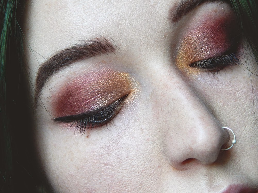 Glam Valentine's Day Makeup Red and gold eye makeup