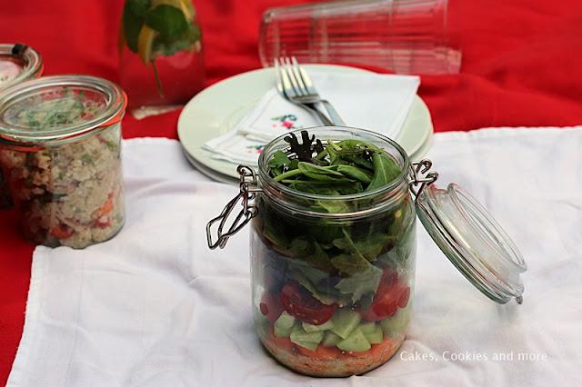 Gemischter Salat im Glas