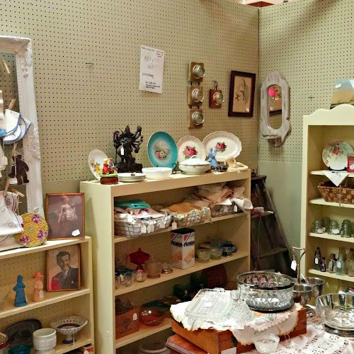 Future Antique Mall Space - A New Chapter for the Little Vintage Cottage