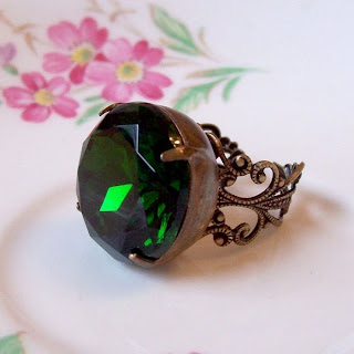 image two cheeky monkeys vintage glam it up ring esmeralda emerald green glass jewel