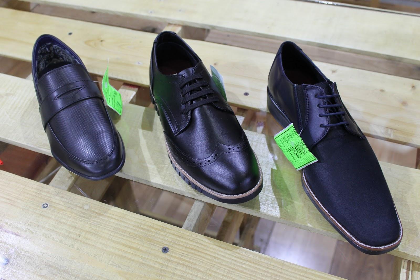 62fd572e86b Lugo Conti ahora también maneja líneas de zapato casual para caballero en  que buscan llegar a un nuevo mercado  además sus productos son en piel y  maneja ...