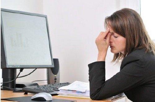 Ordinateur, tablette, smartphone, la fatigue oculaire devant les écrans est le problème n°1.