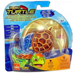 Tartaruga de brinquedo que nada igual a de verdade