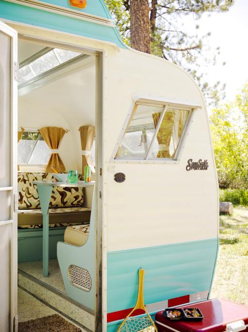 home garden caravane r tro. Black Bedroom Furniture Sets. Home Design Ideas