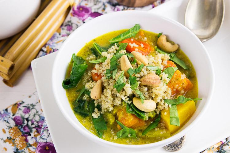 curry de verduras con quinoa