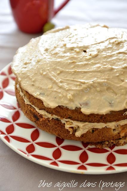 Gâteau aux pommes et à l'huile d'olive, glaçage au sirop d'érable (Yotam Ottolenghi )
