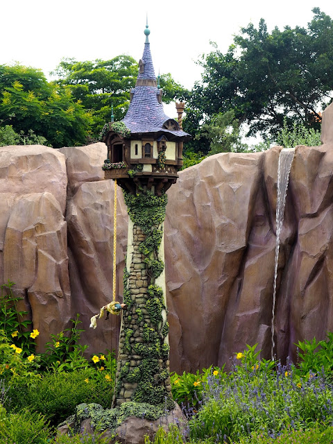 Rapunzel's tower in Fairy Tale Forest, Fantasyland | Disneyland Hong Kong