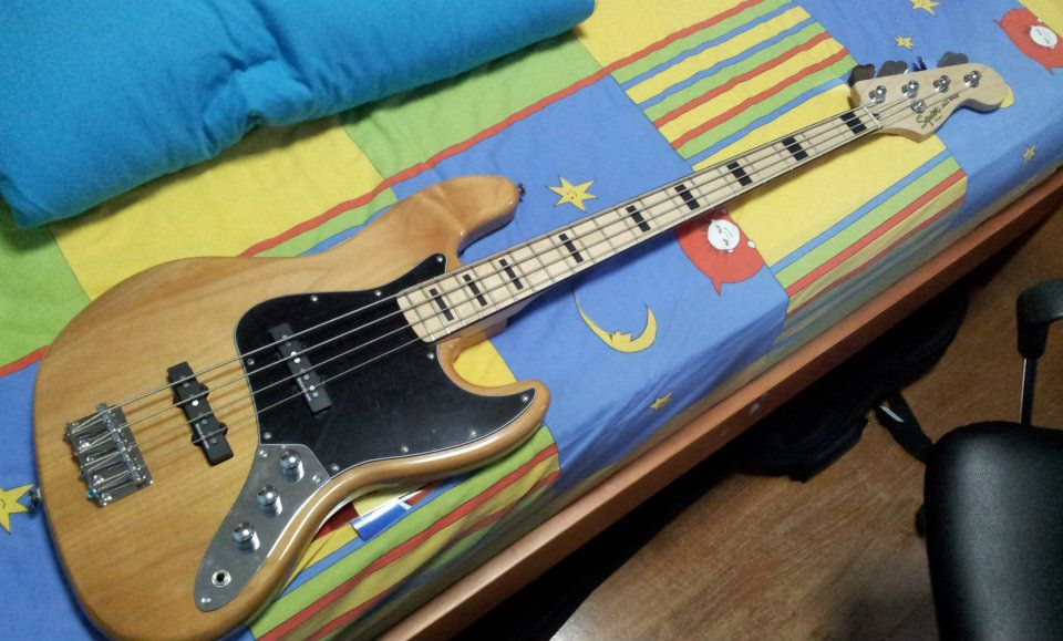 theguitaraddict selling squier j bass sold. Black Bedroom Furniture Sets. Home Design Ideas