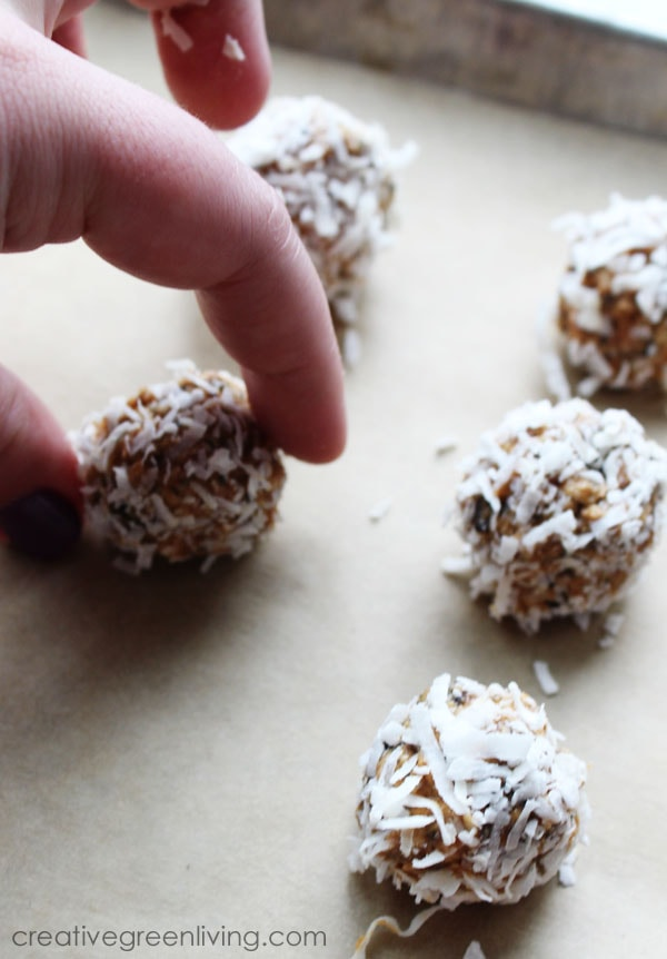 gluten free and vegan chocolate peanut butter energy balls