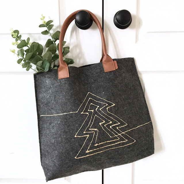 diy-christmas-tote-gold-foil-thermoweb-harlow-and-thistle-1
