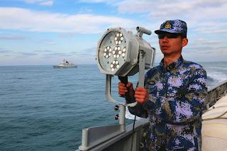 Entrenamiento en el mar de China Oriental
