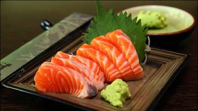 Cá hồi bổ sung collagen từ tự nhiên