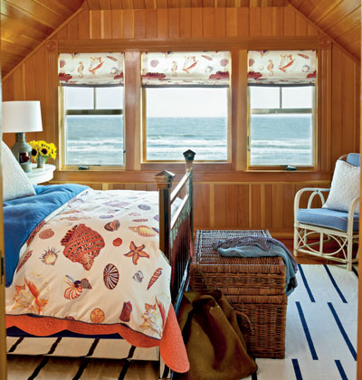 Cozy Coastal Bedroom Cottage Style Design