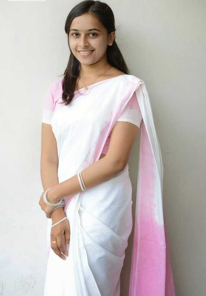 Sri Divya Cute Stills in Saree%2B%25252817%252529 1 - Actress Sri Divya's Hot & Spicy Images In Saree|Top 25-Spicy Photos|decide to go NO Glamour in Her Movies