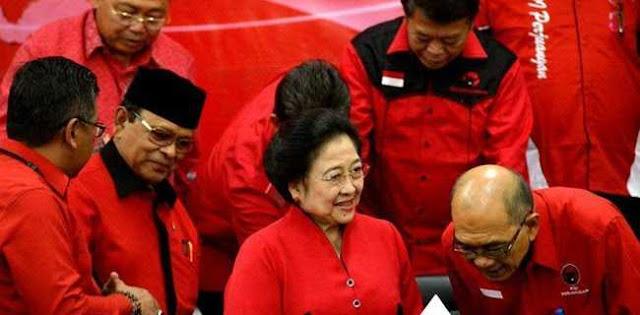 Megawati Ingin Mundur, Siapa Yang Gantikan?